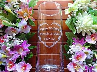 結婚祝いのプレゼント用の花瓶