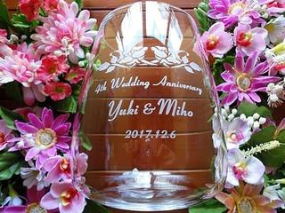 結婚記念日のプレゼント用のフラワーベース