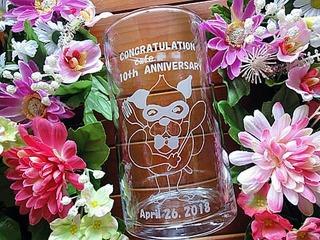 カフェの10周年祝い用のガラス花瓶